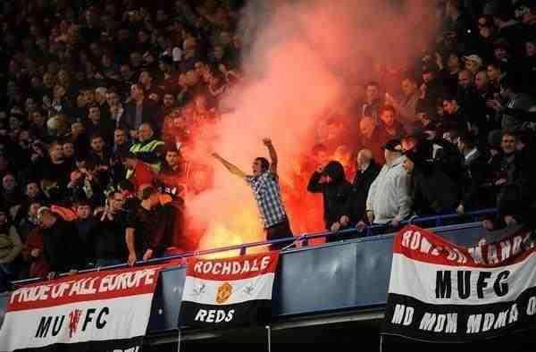 Pari-tra-Chelsea-e-Man-Utd-nel-big-match.-Tifosi-del-Crawley-attaccati-a-Wolverhampton..jpg