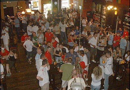 Inghilterra-Scozia:-divieti-di-avvicinarsi-allo-stadio.-Clubs:-molti-proprietari-considerano-la-vendita.jpg
